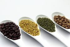 Free Red Bean, Mung Beans, Peanut, Soybean Stock Photo - 20911880