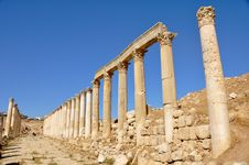 Free First Cross Street, Jerash Stock Photo - 20912920