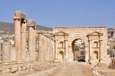 Free North Gate, Jerash (Jordan) Royalty Free Stock Photo - 20913235