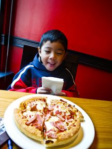 Free Asian Boy And Pizza Stock Image - 20914651