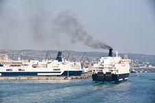 Free Cruise Ship Docking Royalty Free Stock Images - 20915949