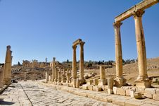 Free The Cardo Colonnaded Street, Jerash Royalty Free Stock Photography - 20917627