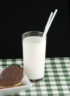 Free Milk And Cookies Stock Photography - 20919602