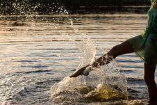 Free Woman Splashing The Water Royalty Free Stock Images - 20920219