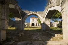 Free Oriental Arches In The Maskovica Khan Stock Images - 20920844