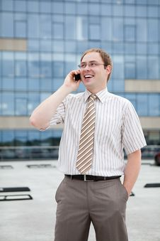 Free Young Businessman On The Phone Royalty Free Stock Photos - 20922178