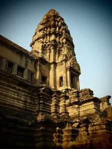 Free Central Tower Of Angkor Wat Royalty Free Stock Image - 20922786