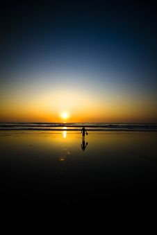 Free Boy On Beach Royalty Free Stock Images - 20931179