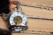 Free Watch And Books Royalty Free Stock Photography - 20934507