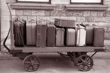Free Old Suitcases Royalty Free Stock Image - 20934626