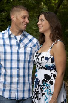 Free Happy Couple Gazing Royalty Free Stock Photos - 20937258