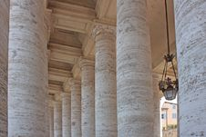 Colonnade In Piazza San Pietro Royalty Free Stock Photo