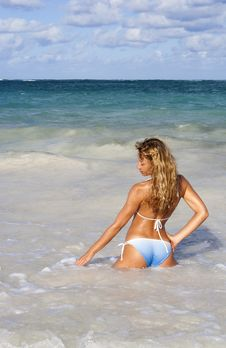 Free Beautiful Woman Posing In The Caribbean Sea Stock Photography - 20945182