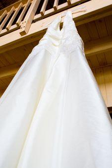 Free Hanging Wedding Dress Royalty Free Stock Images - 20947549
