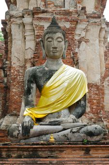 Free Ancient Buddha Image In Ayutthaya, Thailand Royalty Free Stock Image - 20950926
