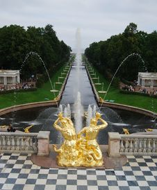 Free Fountains Petergofa Royalty Free Stock Photos - 20953178