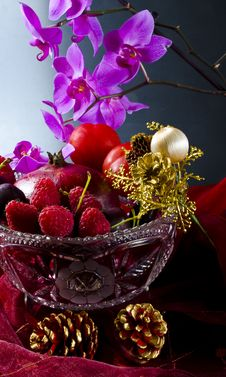 Free Fruit Bowl With Fruit Royalty Free Stock Photos - 20954748