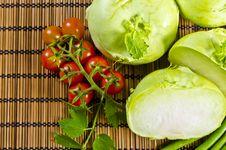 Free Kohlrabi, Tomatoes And Young Peas Stock Photos - 20955833