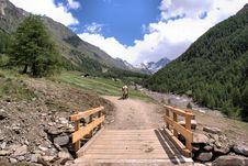 Free Small Wooden Bridge Stock Photo - 20957320