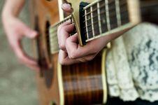 Free Girl Playing Guitar Royalty Free Stock Image - 20960116