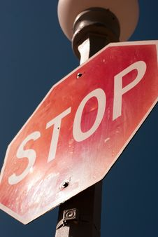Free Stop Sign Dramatic Angle Royalty Free Stock Image - 20960176