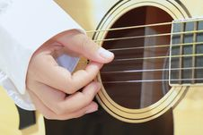 Free Musician Playing Guitar Royalty Free Stock Images - 20960979