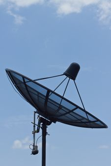 Free Satellite Dish Royalty Free Stock Photo - 20961665