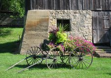 Free Antique Decorative Flower Cart Royalty Free Stock Photos - 20964688