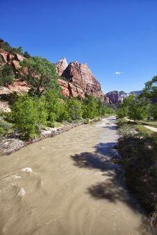 Free Muddy River In The Zion Canyon National Park, Utah Stock Photo - 20972940