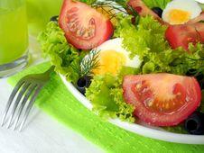 Free Fresh Salad Royalty Free Stock Photo - 20974995