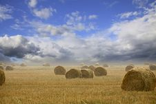 Free Straw Bales On Farmland With Cloudy Sky Stock Photography - 20975882