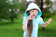 Free Cute Child Girl Poses Outdoors With Scary Face Royalty Free Stock Image - 20980826