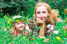 Free Beautiful Girl With Mother In The Meadow Stock Image - 20981941