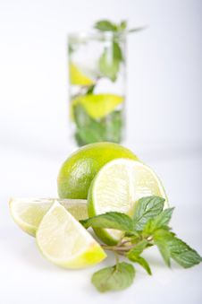 Free Summer Cocktail, Mojito Royalty Free Stock Photos - 20982448