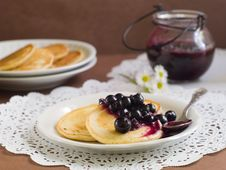 Free Pancakes Royalty Free Stock Photography - 20983987