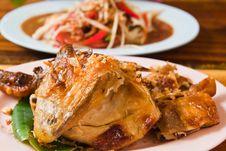 Free Fresh Barbecue Chicken,Thai Papaya Salad Royalty Free Stock Images - 20987269