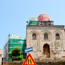 Free Chiesa Di San Cataldo In Palermo Stock Images - 20987494