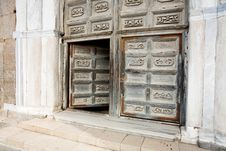 Free Ancient Doors Of Medieval Cathedral Stock Photo - 20987500