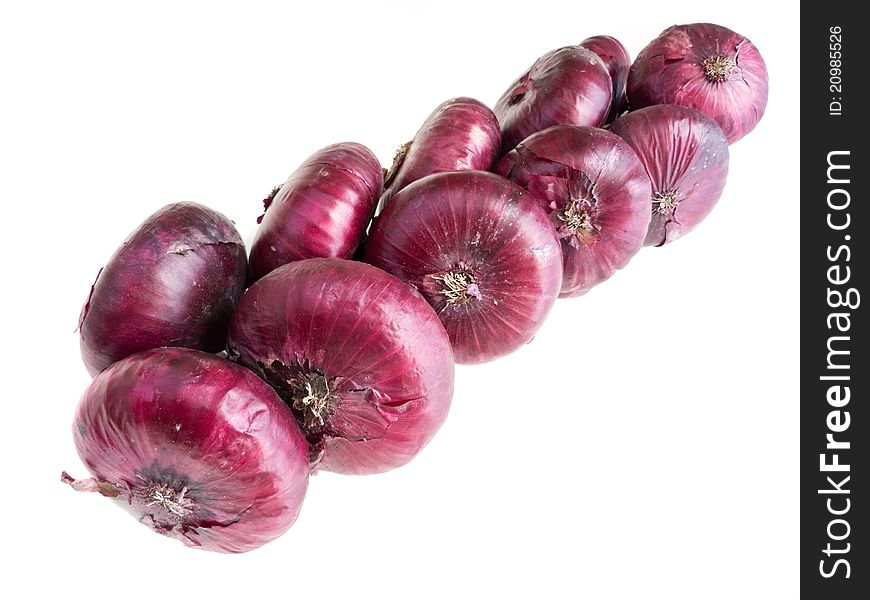 Red onions twisted in chain
