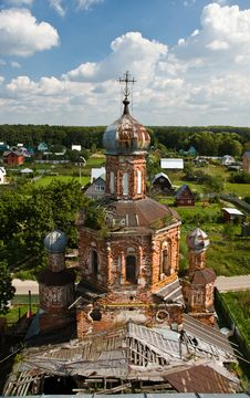 Free Old Orthodox Church Bird-fly View Royalty Free Stock Images - 20990999