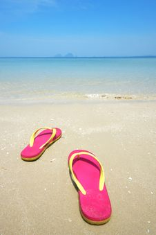 Free Pink Sandals On The Beautiful Beach Royalty Free Stock Photo - 20993545