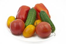 Free Organic Vegetables On A Dish Royalty Free Stock Photo - 20994685