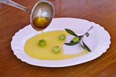 Free Olives With Olive Oil Royalty Free Stock Images - 20996049