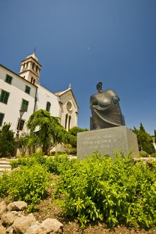 Free St.Francis Monastery And The Statue Of King Petar Royalty Free Stock Photography - 20998357
