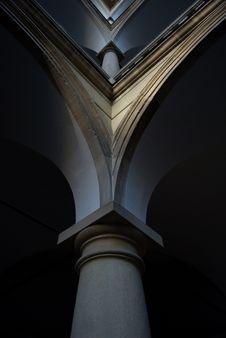 Free Italian Court Pillars Stock Image - 20998461