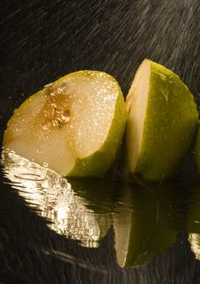 Free Pears Stock Photography - 2108372