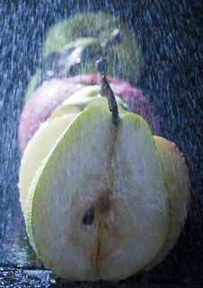 Free Pears In Rain Royalty Free Stock Photography - 2108497