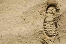 Free Footprints In The Desert Sand Right Royalty Free Stock Photo - 2108545