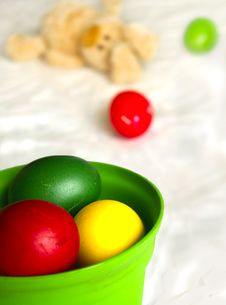 Free Easter Eggs (Shallow DOF) Royalty Free Stock Photos - 2108748