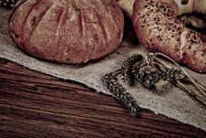 Free Composition Of Fresh Bread Royalty Free Stock Image - 21001636